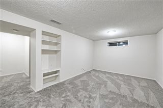 Photo 6: 1346 SOMERSIDE Drive SW in Calgary: Somerset House for sale : MLS®# C4171592
