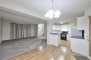 Photo 4: 1346 SOMERSIDE Drive SW in Calgary: Somerset House for sale : MLS®# C4171592