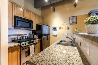 """Photo 3: 609 615 BELMONT Street in New Westminster: Uptown NW Condo for sale in """"BELMONT TOWER"""" : MLS®# R2249103"""