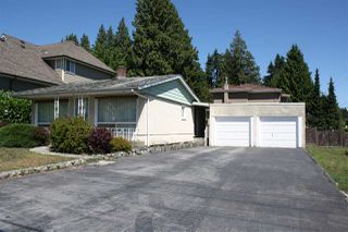 Photo 3: 517 SCHOOLHOUSE Street in Coquitlam: Central Coquitlam House for sale : MLS®# R2276961