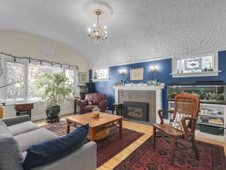 "Photo 2: 2185 COLLINGWOOD Street in Vancouver: Kitsilano House for sale in ""Kitsilano"" (Vancouver West)  : MLS®# R2311078"