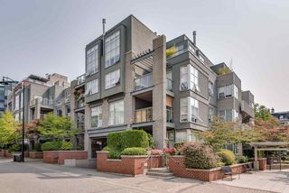 "Main Photo: 109 2288 MARSTRAND Avenue in Vancouver: Kitsilano Condo for sale in ""THE DUO"" (Vancouver West)  : MLS®# R2320376"