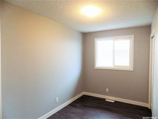 Photo 15: 1521 Laura Avenue in Saskatoon: Forest Grove Residential for sale : MLS®# SK758805