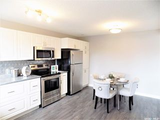 Photo 12: 1521 Laura Avenue in Saskatoon: Forest Grove Residential for sale : MLS®# SK758805