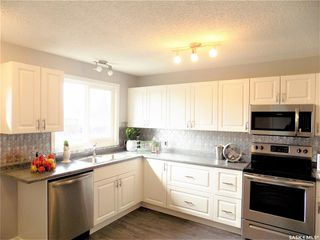 Photo 7: 1521 Laura Avenue in Saskatoon: Forest Grove Residential for sale : MLS®# SK758805