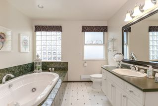Photo 13: 5117 1A Avenue in Delta: Pebble Hill House for sale (Tsawwassen)  : MLS®# R2355212