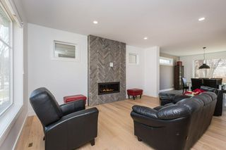 Photo 3: 10506 135 Street in Edmonton: Zone 11 House for sale : MLS®# E4151048