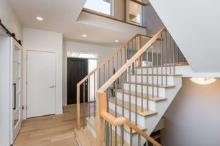 Photo 2: 10506 135 Street in Edmonton: Zone 11 House for sale : MLS®# E4151048