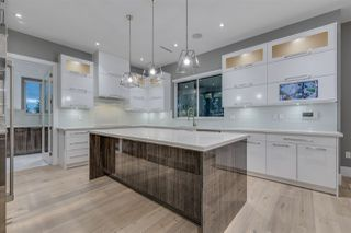 Photo 3: 824 REGENT Street in Coquitlam: Harbour Chines House for sale : MLS®# R2358033