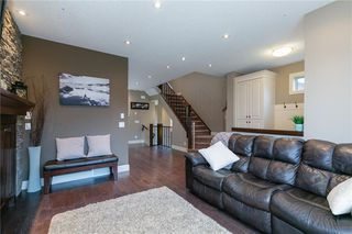 Photo 13: 617 11 Avenue NE in Calgary: Renfrew Semi Detached for sale : MLS®# C4241438