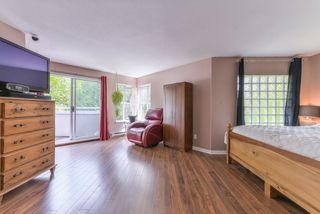 "Photo 11: 218 12633 72 Avenue in Surrey: West Newton Condo for sale in ""College Park"" : MLS®# R2364009"