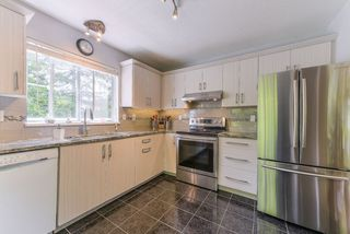 "Photo 3: 218 12633 72 Avenue in Surrey: West Newton Condo for sale in ""College Park"" : MLS®# R2364009"