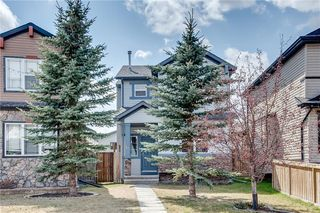 Photo 1: 67 EVERSYDE Circle SW in Calgary: Evergreen Detached for sale : MLS®# C4242781