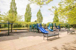 "Photo 19: 2305 5380 OBEN Street in Vancouver: Collingwood VE Condo for sale in ""URBA"" (Vancouver East)  : MLS®# R2369375"