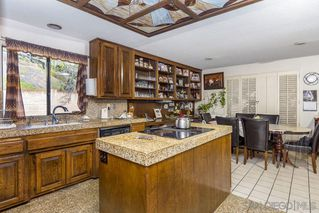 Photo 7: MOUNT HELIX House for sale : 4 bedrooms : 9883 Grandview Drive in La Mesa