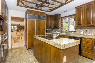 Photo 8: MOUNT HELIX House for sale : 4 bedrooms : 9883 Grandview Drive in La Mesa
