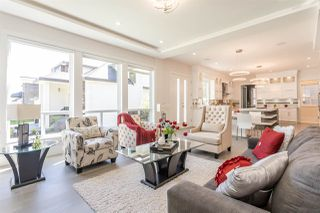 Photo 8: 12988 CARLUKE Crescent in Surrey: Queen Mary Park Surrey House for sale : MLS®# R2378522