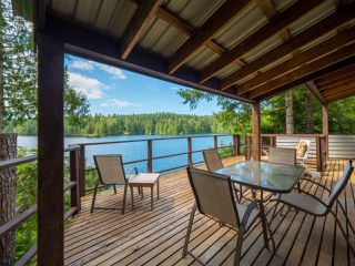 "Photo 5: 10 15200 HALLOWELL Road in Pender Harbour: Pender Harbour Egmont House for sale in ""Sakinaw Lake"" (Sunshine Coast)  : MLS®# R2386865"
