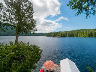 "Photo 6: 10 15200 HALLOWELL Road in Pender Harbour: Pender Harbour Egmont House for sale in ""Sakinaw Lake"" (Sunshine Coast)  : MLS®# R2386865"
