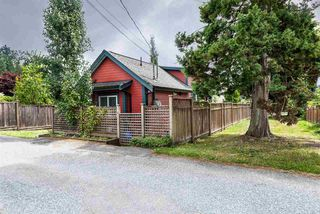 Photo 2: 328 E 20TH Street in North Vancouver: Central Lonsdale House for sale : MLS®# R2398864