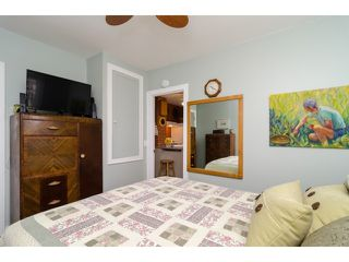 Photo 11: 849 PARKER ST: White Rock House for sale (South Surrey White Rock)  : MLS®# F1436997