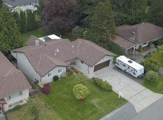 Photo 1: 3010 267A Street in Langley: Aldergrove Langley House for sale : MLS®# R2419630