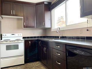 Photo 5: 129 Rita Crescent in Saskatoon: Sutherland Residential for sale : MLS®# SK804601