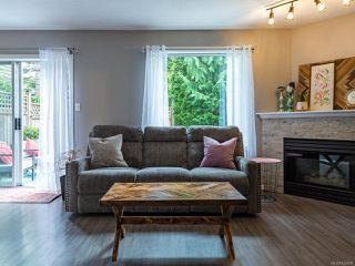 Photo 4: 7 2355 Valley View Dr in COURTENAY: CV Courtenay East Row/Townhouse for sale (Comox Valley)  : MLS®# 842800