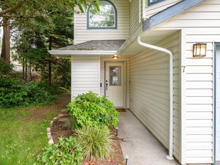 Photo 2: 7 2355 Valley View Dr in COURTENAY: CV Courtenay East Row/Townhouse for sale (Comox Valley)  : MLS®# 842800