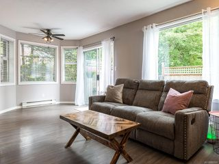 Photo 6: 7 2355 Valley View Dr in COURTENAY: CV Courtenay East Row/Townhouse for sale (Comox Valley)  : MLS®# 842800