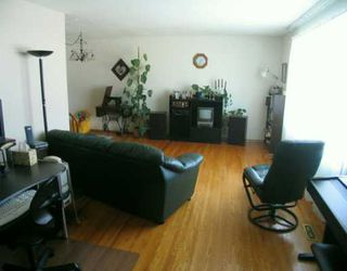 Photo 2:  in CALGARY: Huntington Hills Residential Detached Single Family for sale (Calgary)  : MLS®# C3113649