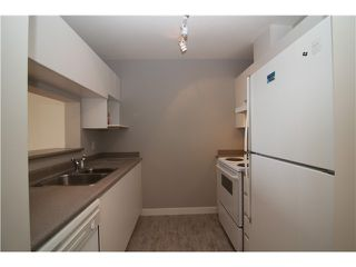 """Photo 3: 1106 5189 GASTON Street in Vancouver: Collingwood VE Condo for sale in """"The Macgregor/Collingwood"""" (Vancouver East)  : MLS®# V927764"""