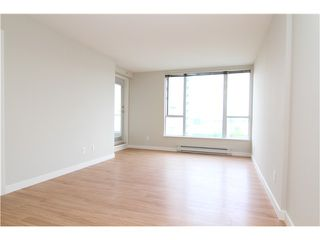 """Photo 2: 1106 5189 GASTON Street in Vancouver: Collingwood VE Condo for sale in """"The Macgregor/Collingwood"""" (Vancouver East)  : MLS®# V927764"""