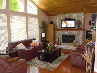 Photo 3: 18232 21A Avenue in South Surrey: House  (South Surrey White Rock)  : MLS®# F1218548