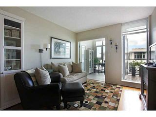 Photo 2: # 707 2228 W BROADWAY ST in Vancouver: Kitsilano Condo for sale (Vancouver West)  : MLS®# V1016637