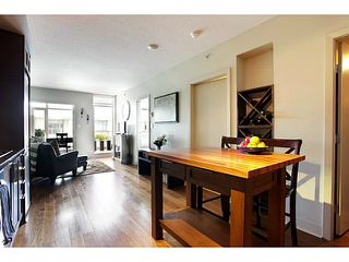 Photo 9: # 707 2228 W BROADWAY ST in Vancouver: Kitsilano Condo for sale (Vancouver West)  : MLS®# V1016637