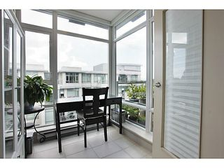 Photo 3: # 707 2228 W BROADWAY ST in Vancouver: Kitsilano Condo for sale (Vancouver West)  : MLS®# V1016637