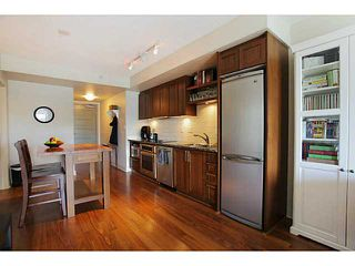 Photo 7: # 707 2228 W BROADWAY ST in Vancouver: Kitsilano Condo for sale (Vancouver West)  : MLS®# V1016637