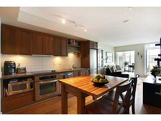 Photo 8: # 707 2228 W BROADWAY ST in Vancouver: Kitsilano Condo for sale (Vancouver West)  : MLS®# V1016637
