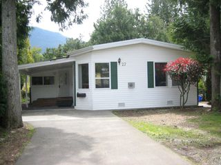 Photo 1: 27 52324 YALE Road in Chilliwack: Rosedale Popkum Manufactured Home for sale (Rosedale)  : MLS®# H1401734