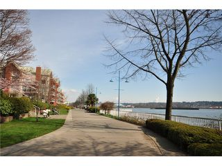 "Photo 15: 309 1230 QUAYSIDE Drive in New Westminster: Quay Condo for sale in ""TIFFANY SHORES"" : MLS®# V1063010"