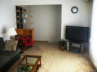 Photo 3: 921 Prince Rupert Avenue in WINNIPEG: East Kildonan Residential for sale (North East Winnipeg)  : MLS®# 1502740