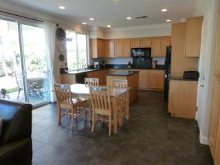 Photo 5: OCEANSIDE House for sale : 4 bedrooms : 1079 Greenway Rd