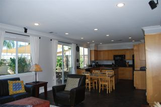 Photo 4: OCEANSIDE House for sale : 4 bedrooms : 1079 Greenway Rd