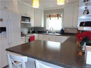 Photo 2: 11 Torrington Road in Winnipeg: Fort Garry / Whyte Ridge / St Norbert Residential for sale (South Winnipeg)  : MLS®# 1607540
