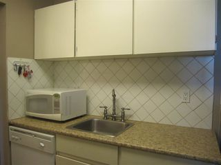 Photo 5: 308 809 W 16TH Street in North Vancouver: Hamilton Condo for sale : MLS®# R2067339