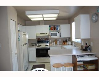 Photo 3: 29 6700 RUMBLE Street: South Slope Home for sale ()  : MLS®# V748801