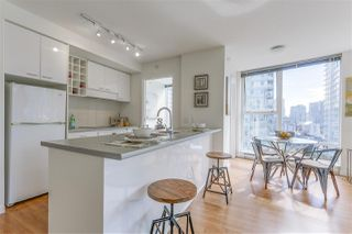 "Photo 4: 903 602 CITADEL PARADE in Vancouver: Downtown VW Condo for sale in ""SPECTRUM"" (Vancouver West)  : MLS®# R2094812"
