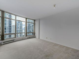 """Photo 3: 1805 1288 ALBERNI Street in Vancouver: West End VW Condo for sale in """"THE PALISADES"""" (Vancouver West)  : MLS®# R2106505"""