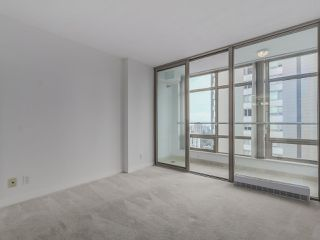 """Photo 13: 1805 1288 ALBERNI Street in Vancouver: West End VW Condo for sale in """"THE PALISADES"""" (Vancouver West)  : MLS®# R2106505"""